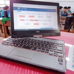 FUJITSU LIFEBOOK T725/K Laptop cảm ứng xoay gập màn hình